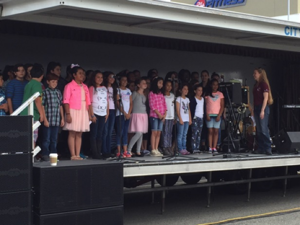 Elementary Choir  Downey's Ride & Stride Event 2015